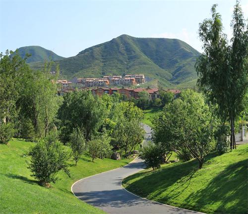 八达岭孔雀城让生活充满绿意,打造幸福宜居小镇!